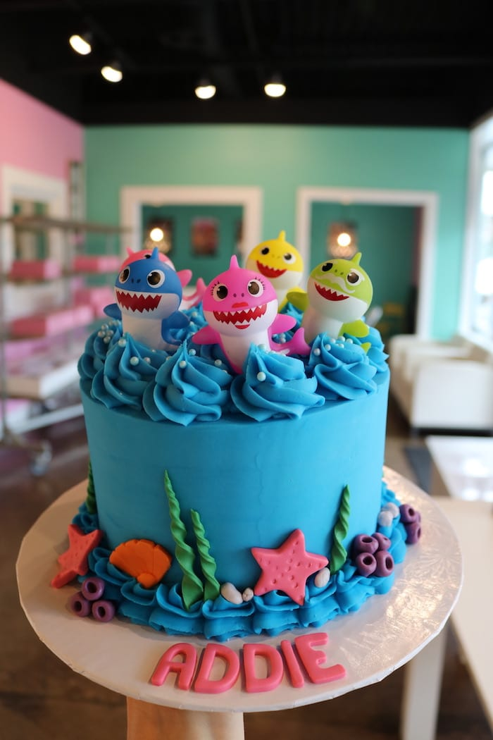 Baby Shark Cake | 3 Sweet Girls Cakery