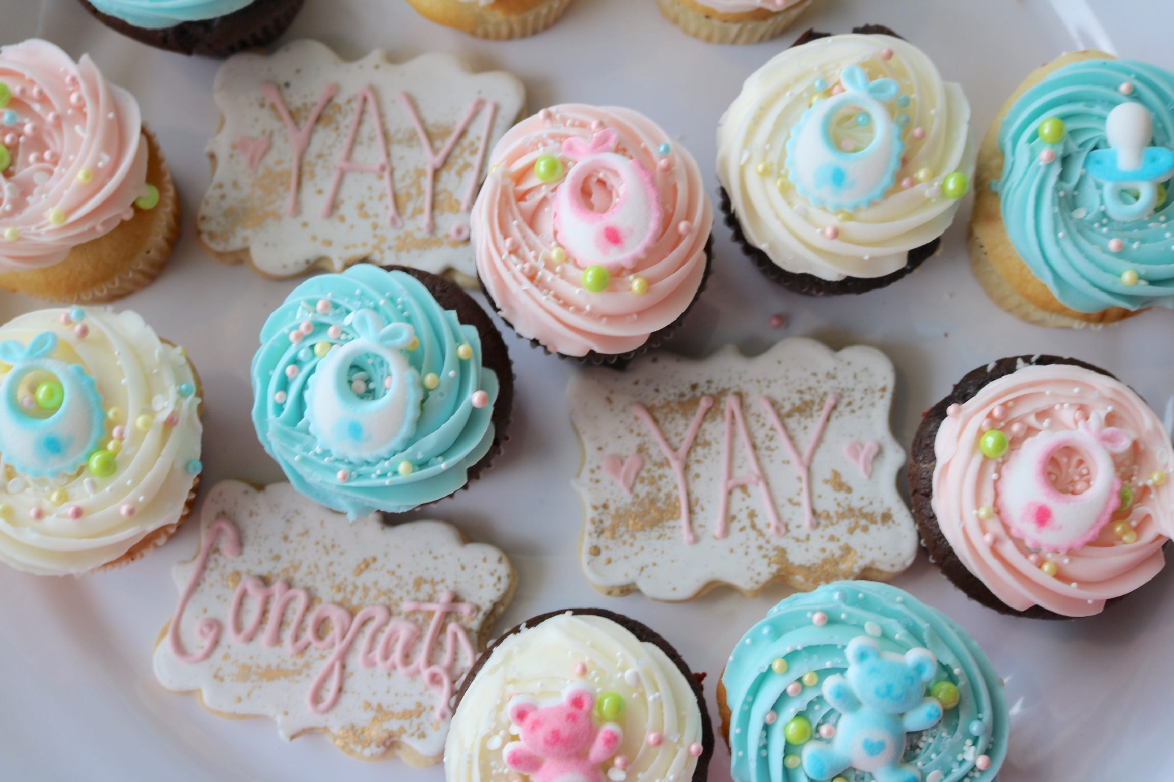 Baby Shower Cupcakes Pink and Blue | 3 Sweet Girls Cakery