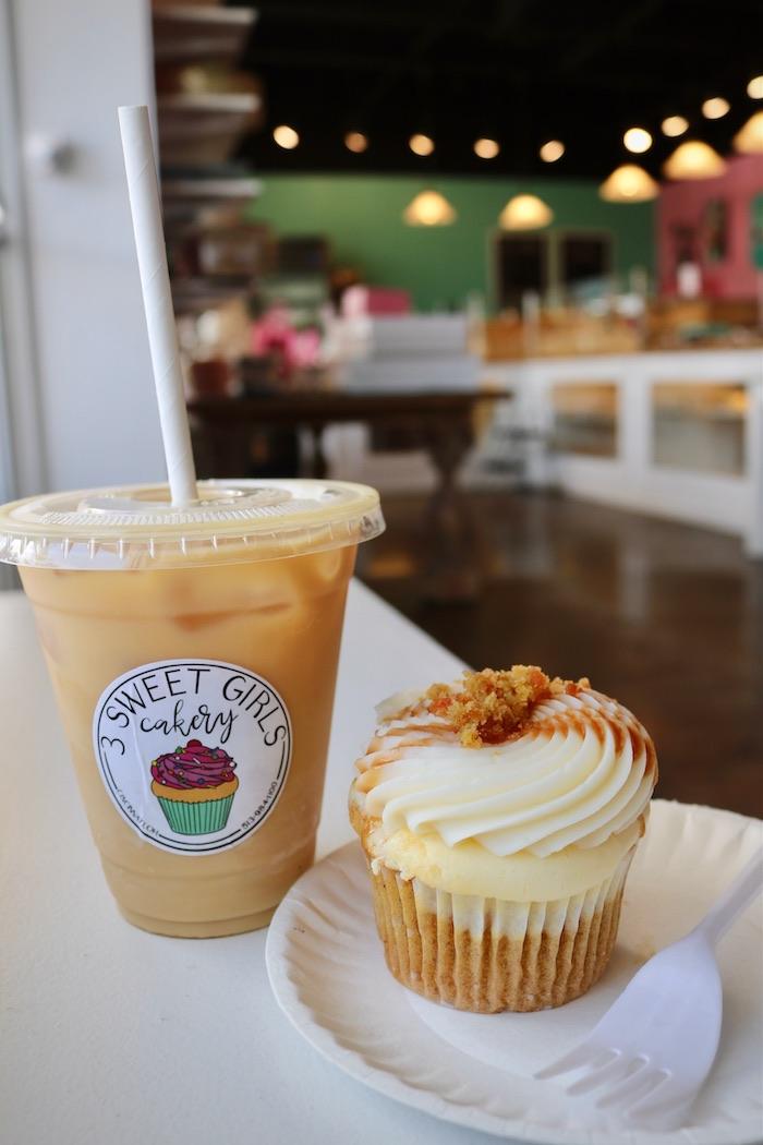 Carrot Cheesecake Cupcakes | 3 Sweet Girls Cakery