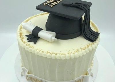 Gold and White Graduation Cake | 3 Sweet Girls Cakery