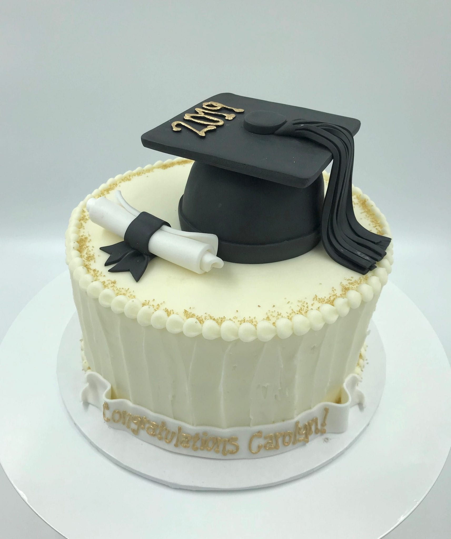 Gold and White Graduation Cake | 3 Sweet Girls Cakery