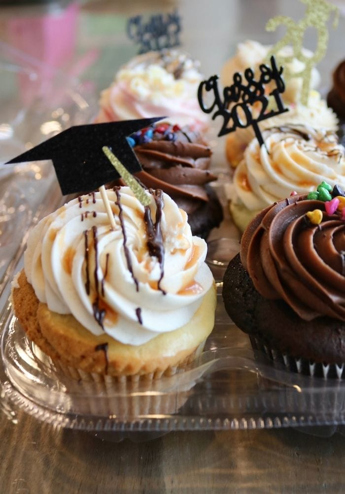 Graduation Cupcakes | 3 Sweet Girls Cakery