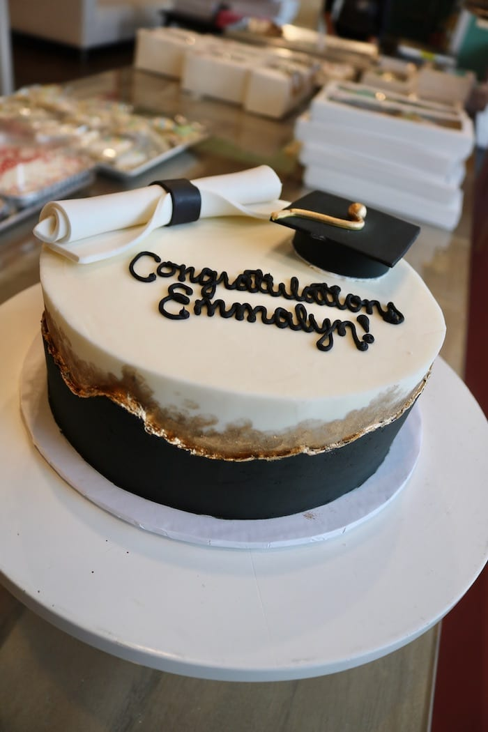 Graduation Cake Black, White and Gold | 3 Sweet Girls Cakery