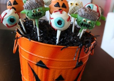 Halloween Cake Pops   3 Sweet Girls Cakery