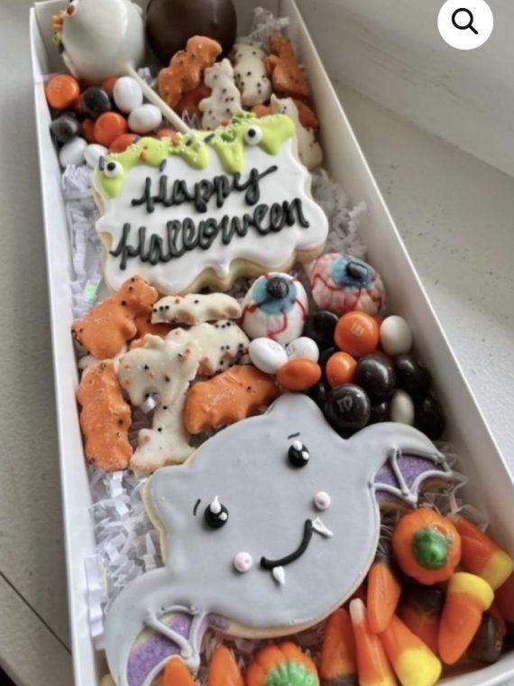 Halloween Treat Box | 3 Sweet Girls Cakery