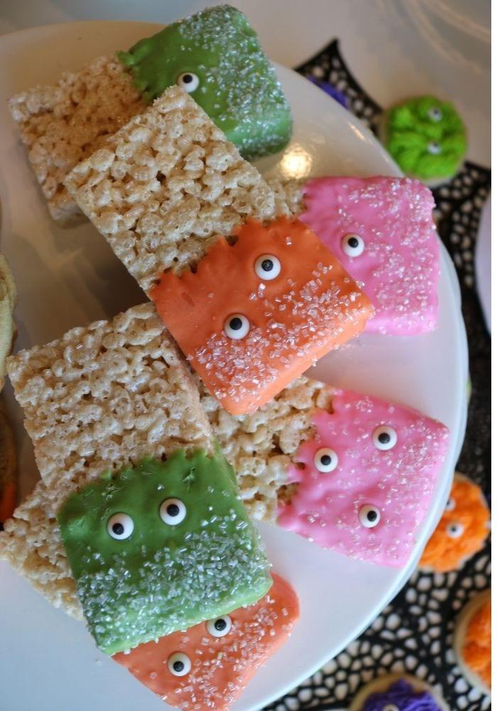 Halloween Rice Krispie Treats | 3 Sweet Girls Cakery