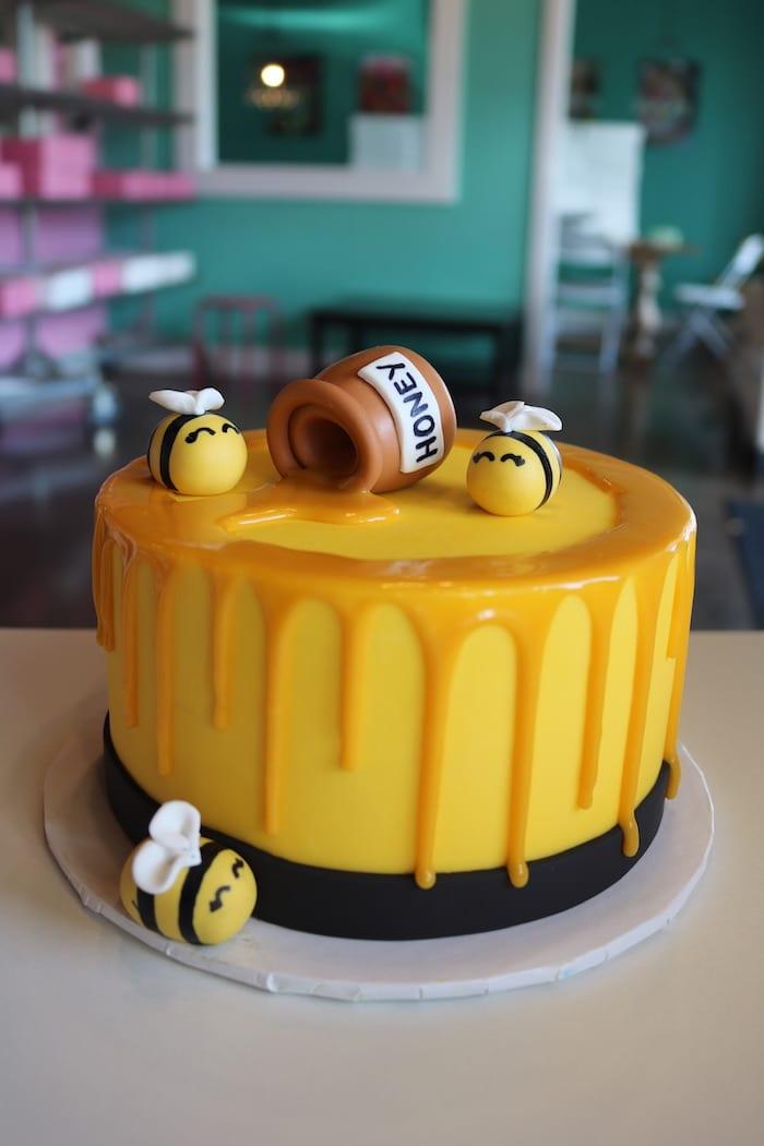 Honey Bee Smash Cake | 3 Sweet Girls Cakery