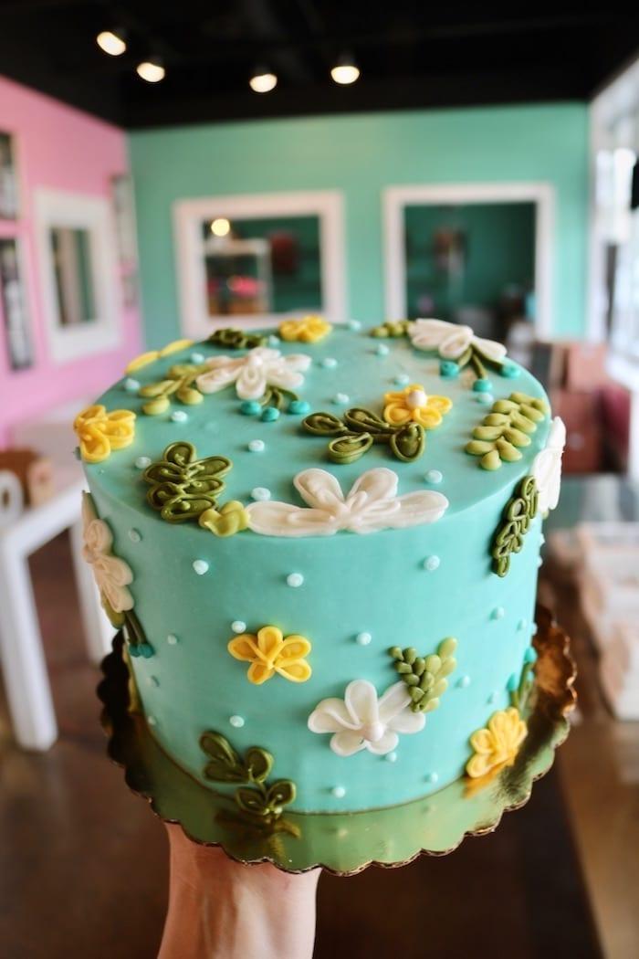 Blue, Yellow and Green Daisy Cake   3 Sweet Girls Cakery