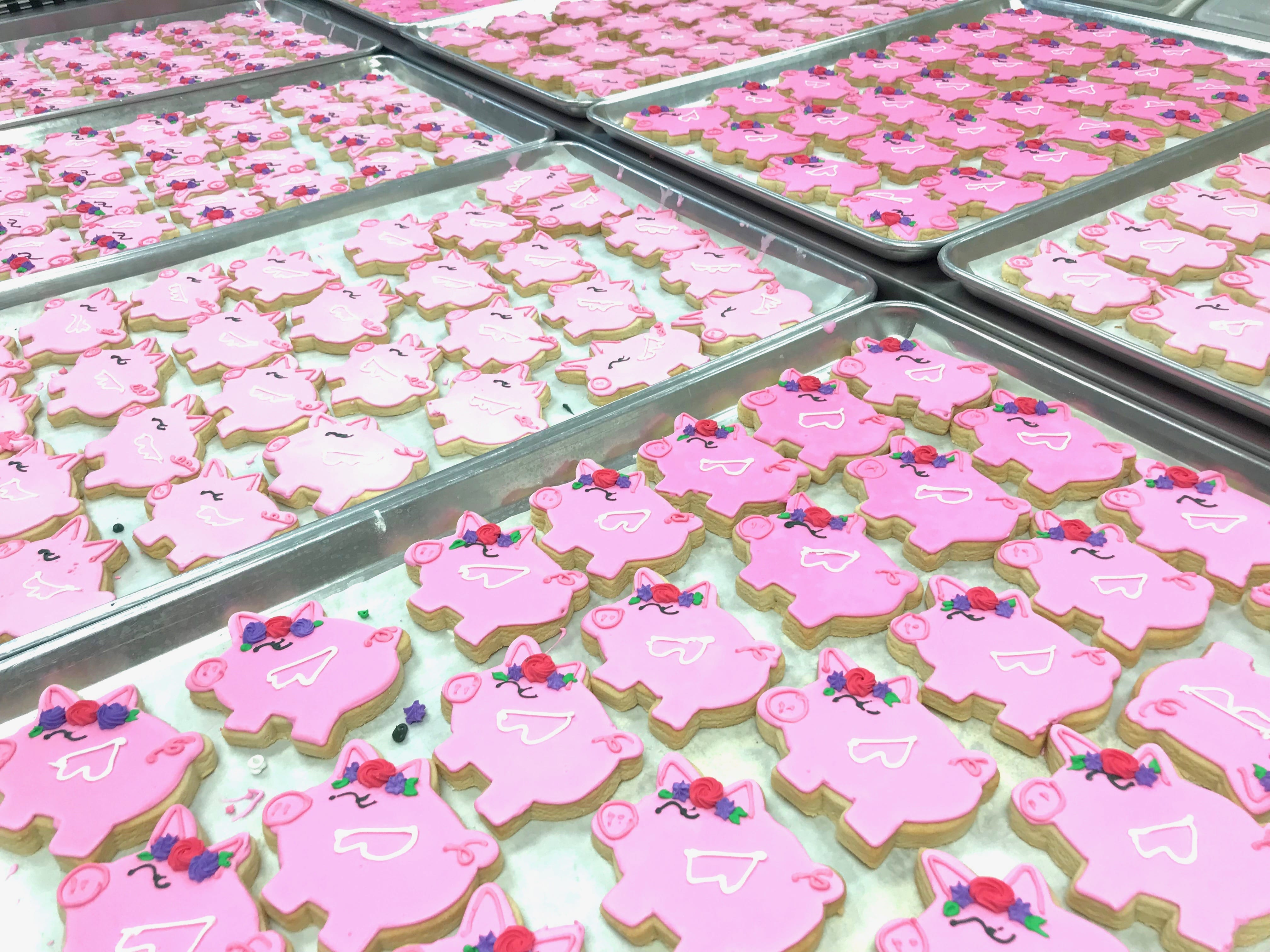 Flying Pig Cookies | 3 Sweet Girls Cakery