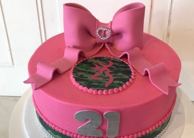 Pink and Camo 21st Birthday Cake | 3 Sweet Girls Cakery