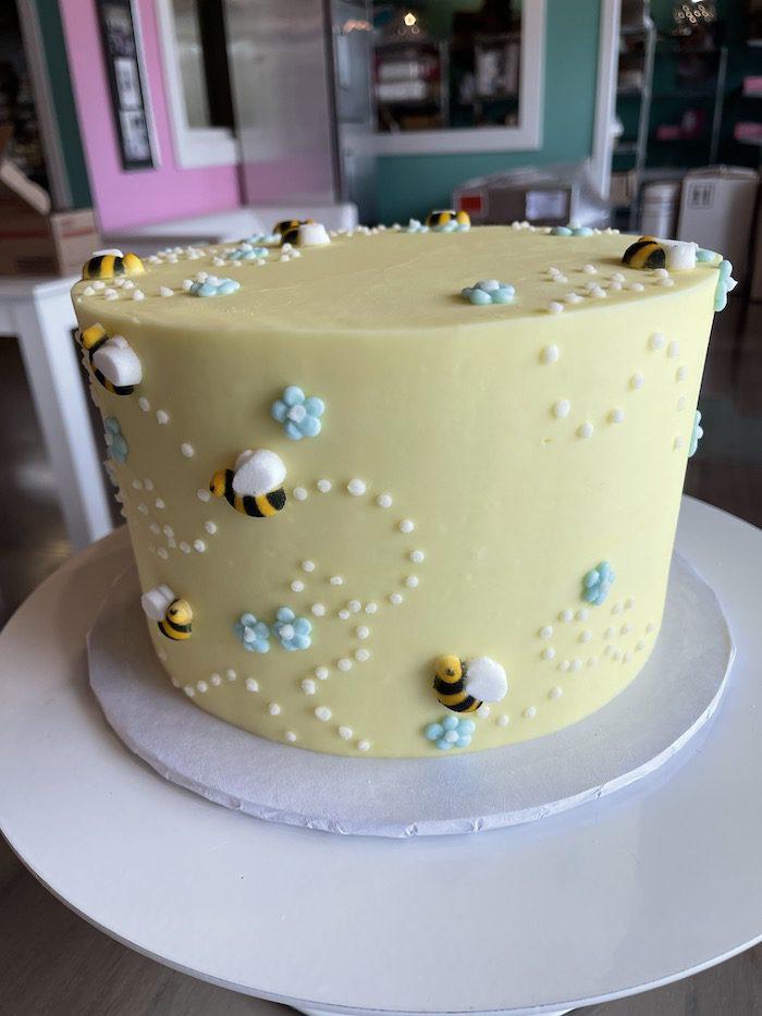 Pastel Yellow BEe Cake | 3 Sweet Girls Cakery