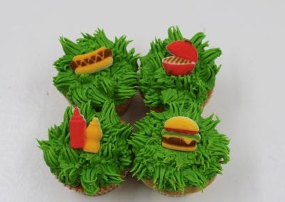 Picnic and Grilling Cupcakes | 3 Sweet Girls Cakery