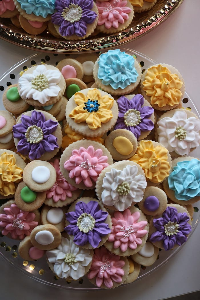 Soft Cheerful Flower Cookies | 3 Sweet Girls Cakery