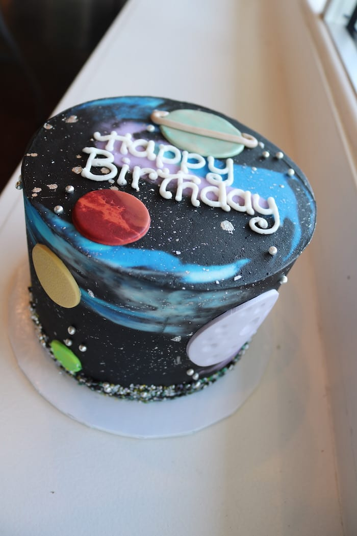 Space Cake | 3 Sweet Giels Cakery