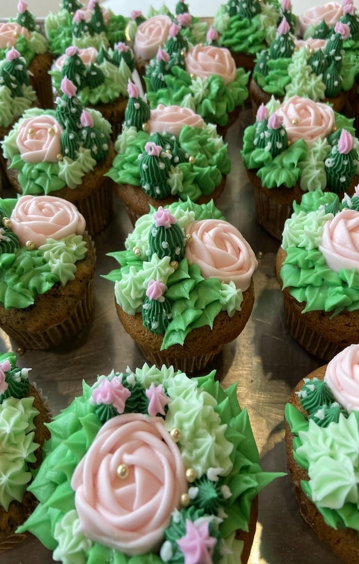 Succulant Flower Cupcakes | 3 Sweet Girls Cakery