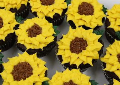 Sunflower Cupcakes | 3 Sweet Girls Cakery