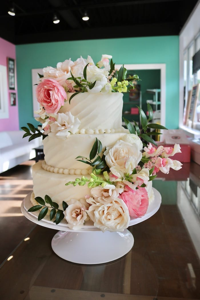 Wedding Cake by 3 Sweet Girls Cakery
