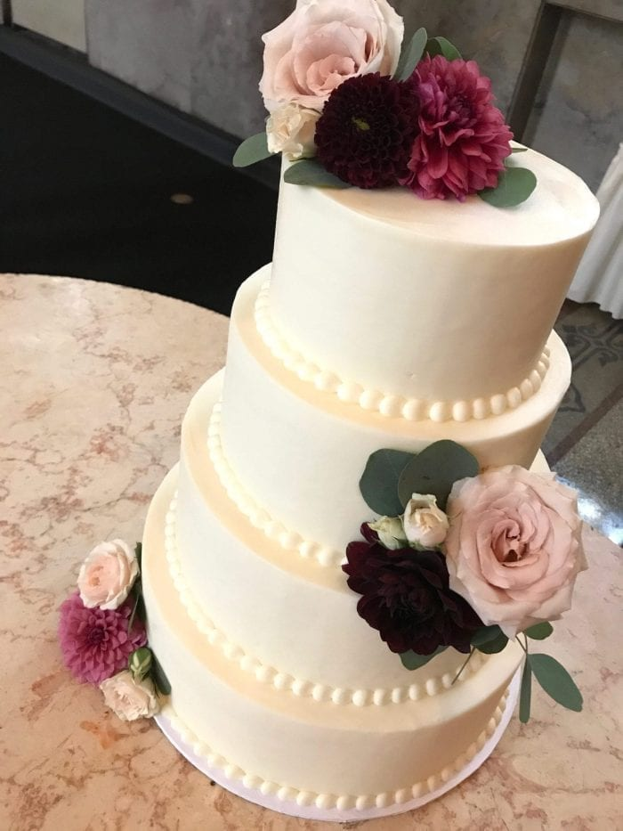 Wedding Cake with Fresh Flowers | 3 Sweet Girls Cakery