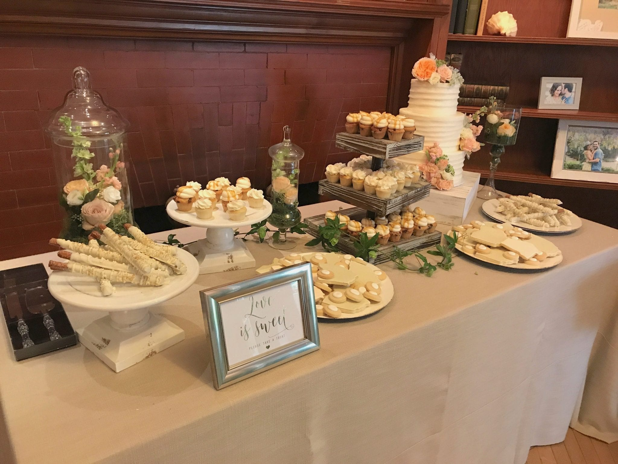 Wedding Dessert Table at Krippendorf Lodge | 3 Sweet Girls Cakery