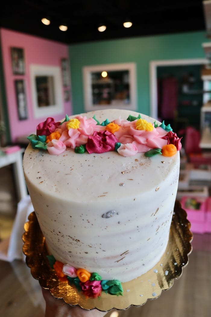White and Speckled Gold Cake with Flowers | 3 Sweet Girls Cakery