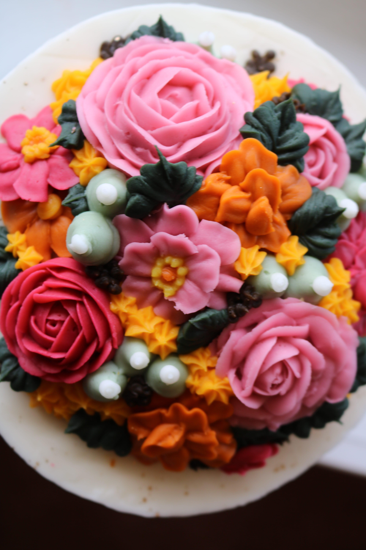 Buttercream Flower Cake | 3 Sweet Girls Cakery