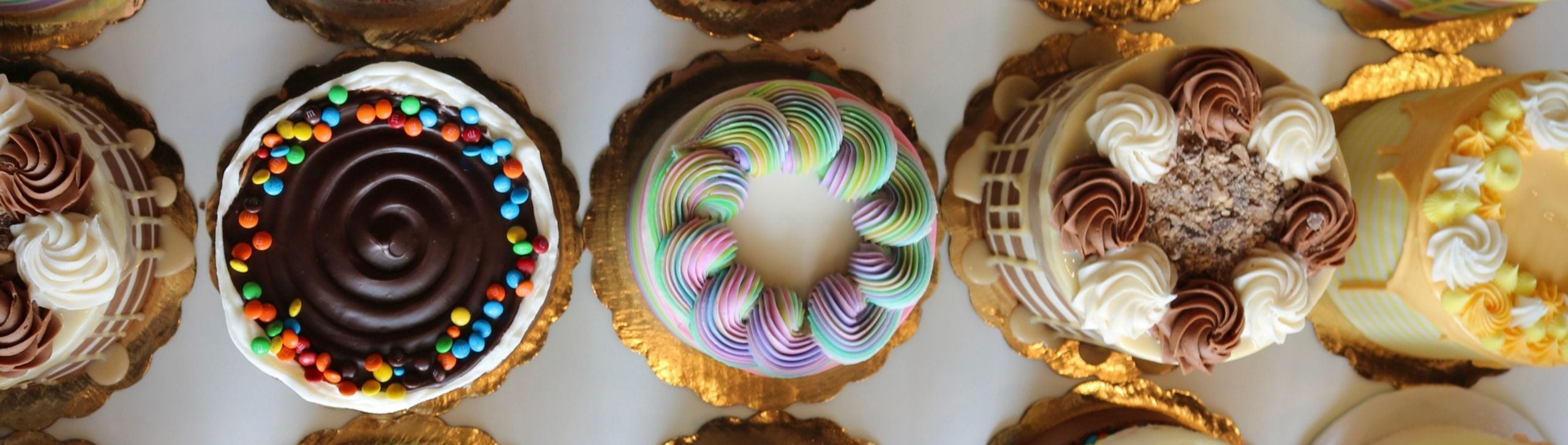Store Cakes | 3 Sweet Girls Cakery