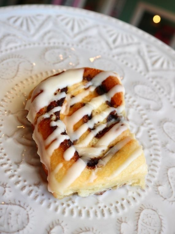 Keto Cinnamon Rolls | 3 Sweet Girls Cakery