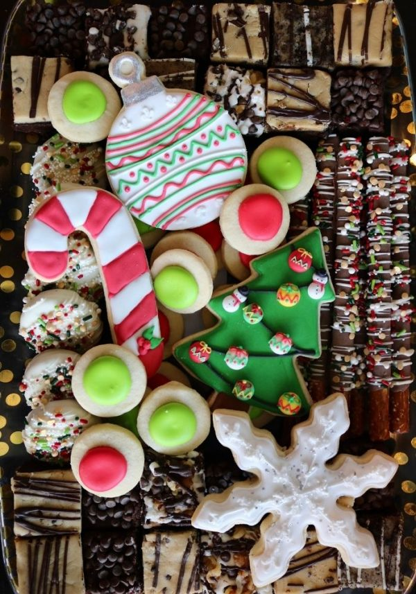 Christmas Dessert Tray | 3 Sweet Girls Cakery