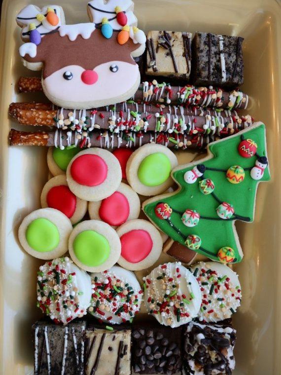 Christmas Dessert Tray   3 Sweet Girls Cakery