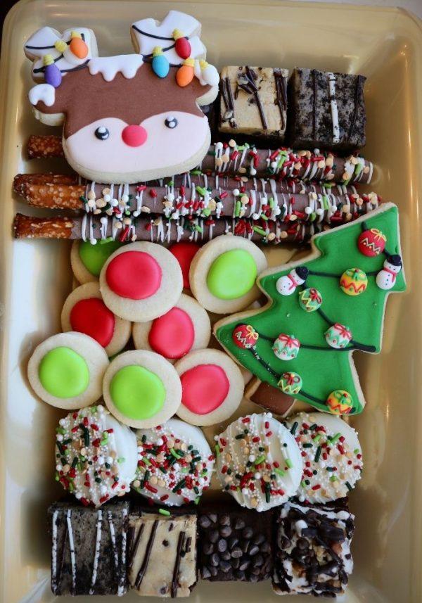 Christmas Dessert Tray | 3 Sweet Girls Cakery