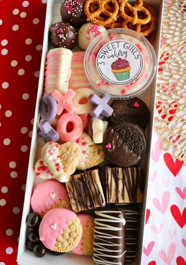 Valentine's Day Dessert Charcuterie   3 Sweet Girls Cakery