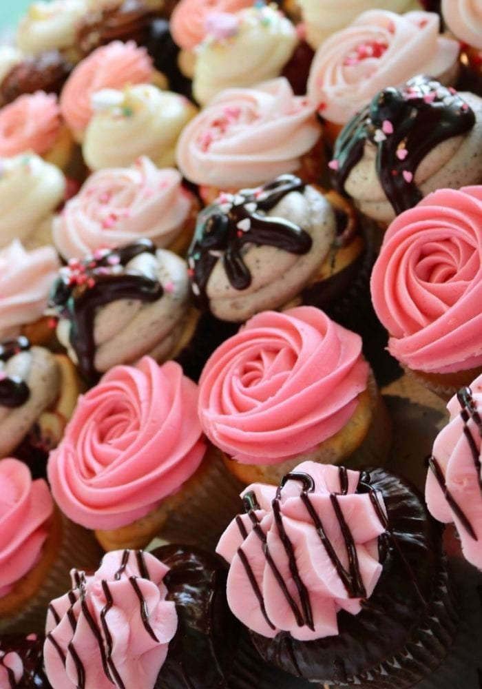 Valentine's Day Cupcakes   3 Sweet Girls Cakery